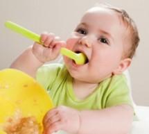 教你5招 輕松讓寶寶愛上自己吃飯